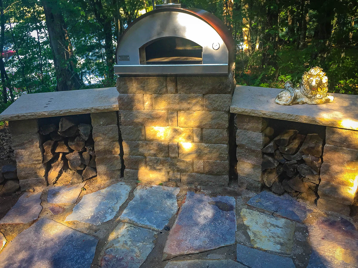 The new pizza oven stand
